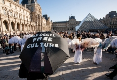 Supporting a spectacular Big Oil Out of Culture action at The Louvre urging cultural institutions to reject funding derived from fossil fuels