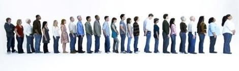people_standing_in_line_fan2034539