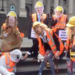 Coal Diggers with BUMS Gina, Ruppie and Johnny from IPA, welcoming the press at the Green Group Inquisition, September 2015