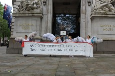 Climate Guardians descended on London's Australian embassy, a key voting centre in the weeks before Australia's 2016 Federal election, July 2016