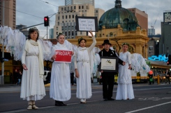 At dawn on Wednesday 24th August, a flock of Climate Guardian Angels proudly manifested on the Princes Bridge—a key gateway in to Melbourne Australia—to demonstrate their support for the indigenous Native American protectors standing strong at Standing Rock, August 2016